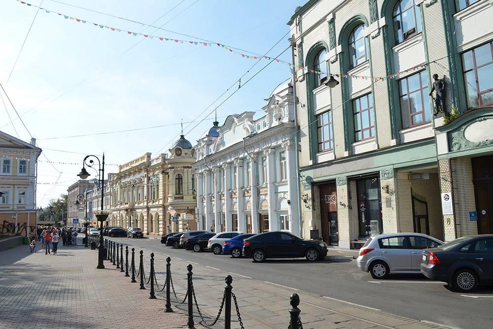 Улица Рождественская — самая нарядная и тусовочная