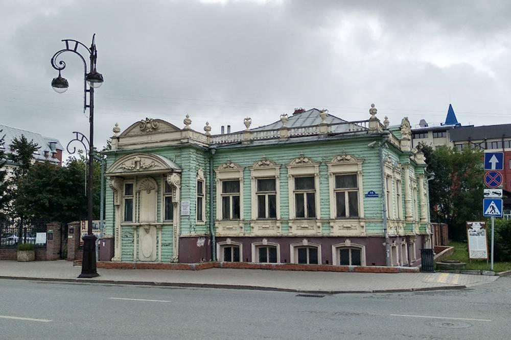 В 1919году здесь находилась штаб-квартира советского маршала Блюхера