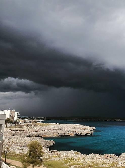 Сентябрьский шторм. Вид с нашего балкона