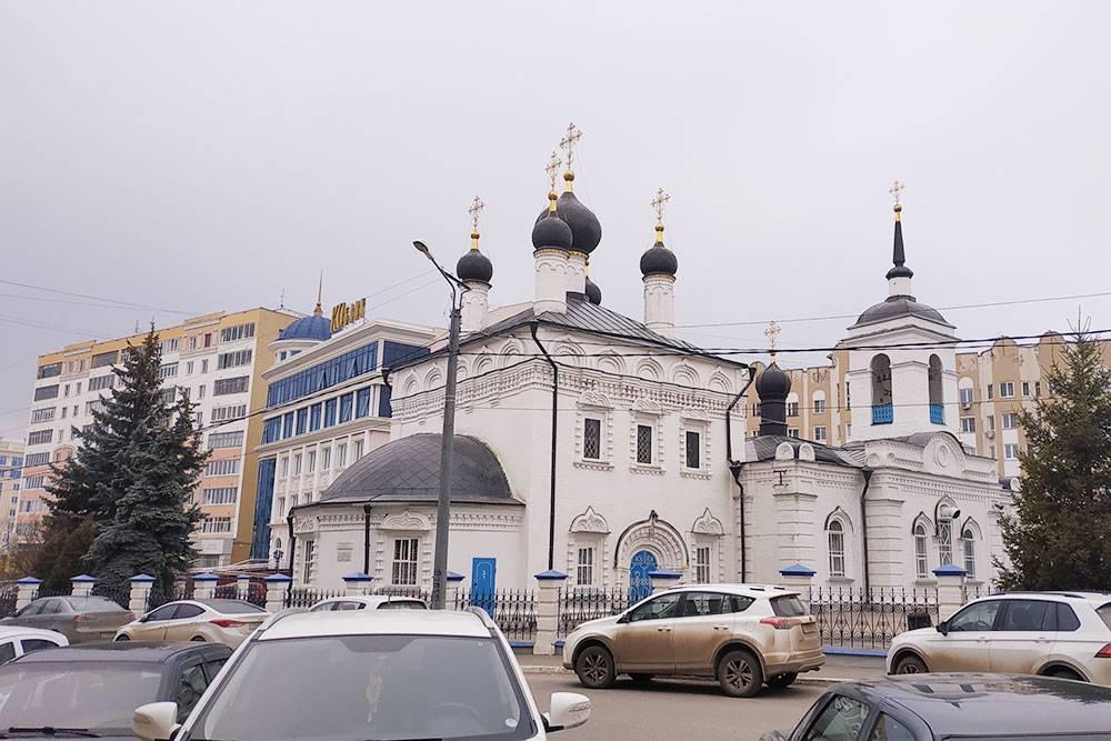 Самое старое архитектурное сооружение города — Иоанно-Богословская церковь 1693 года постройки