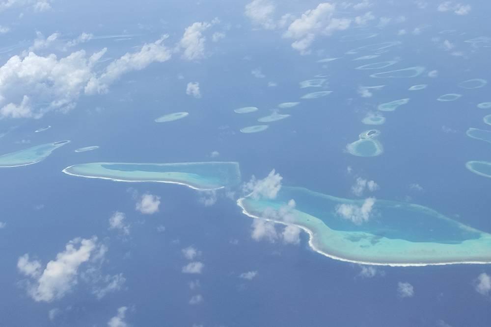 А это необитаемые коралловые острова, которые находятся под водой