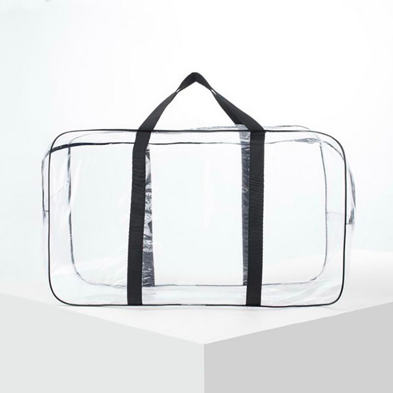 По запросу «сумка в роддом» в интернет-магазинах обычно предлагают вот такие сумки. На самом деле они необязательно должны быть прозрачными: главное, чтобы материал легко мылся обычной водой