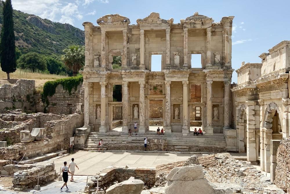 Библиотека Эфеса — жемчужина знаний Античного мира