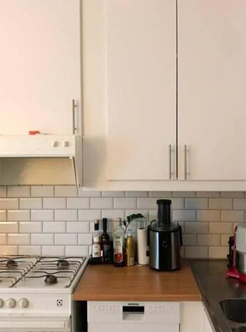 Я сама выбрала из нескольких вариантов шкафчики, плитку и рабочую поверхность длякухни