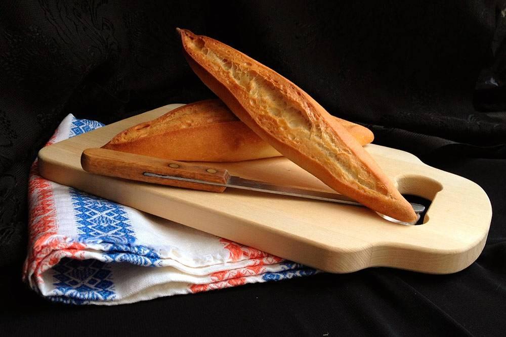 Бокадильос — традиционный испанский хлеб длясэндвичей. В сочетании с хамоном может быть сытным обедом