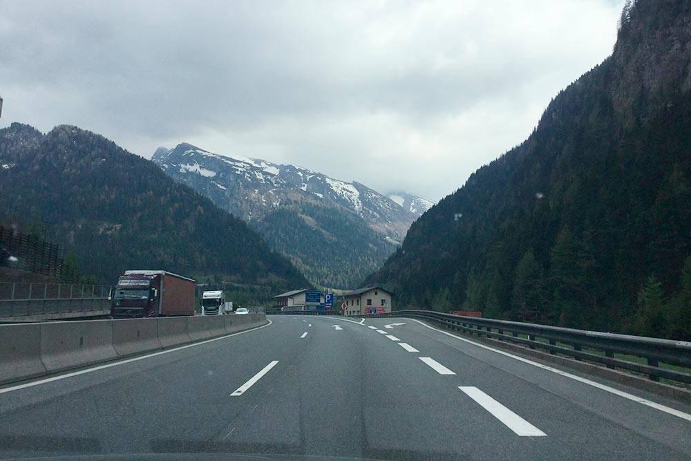 На участке дороги Мюнхен — Милан почти нет резких перепадов высот и крутых поворотов