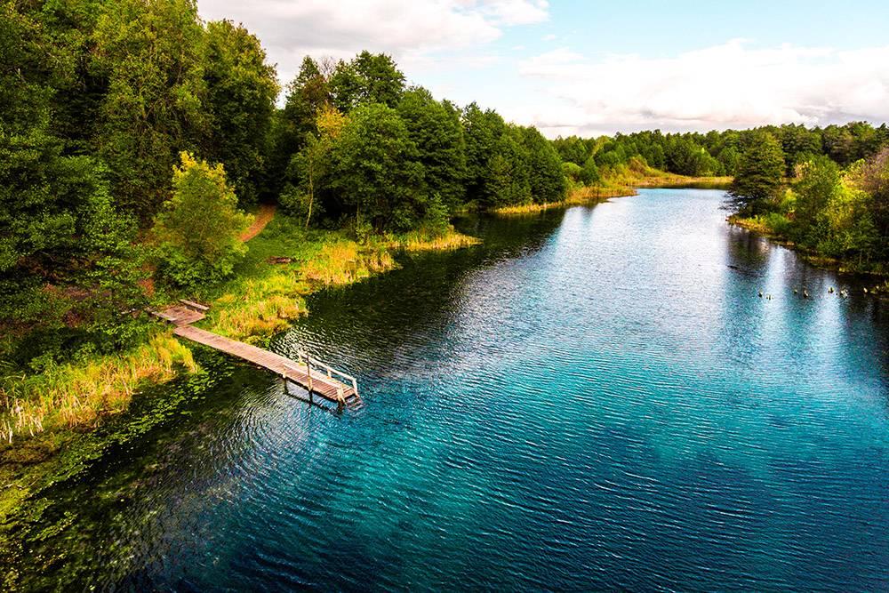Когда возвращаешься в город после пары дней, проведенных на Голубом озере, болит голова. В заповеднике чистейший воздух, а сон там глубокий и спокойный