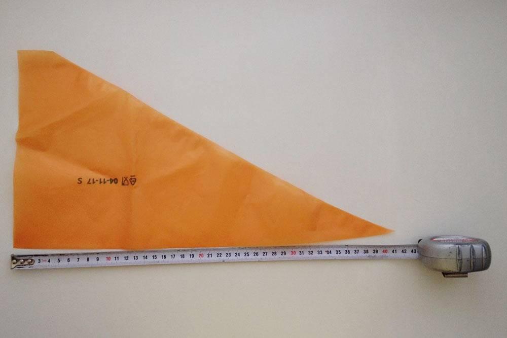 Вот так выглядит одноразовый кондитерский мешок. Мешки могут быть разных размеров — дляразных целей