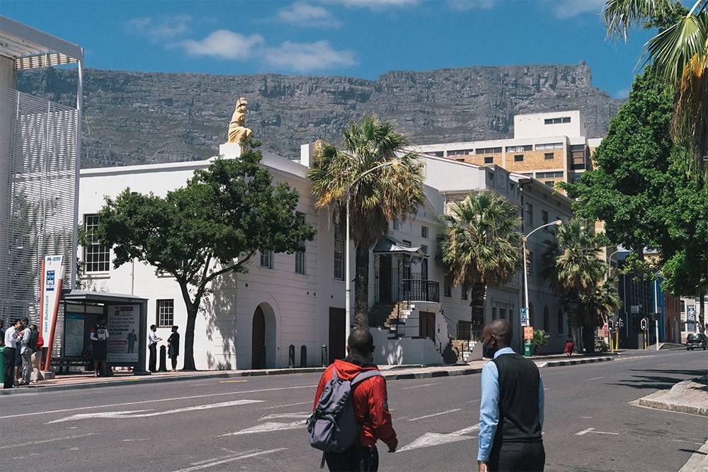 Из любой точки Кейптауна видна Столовая гора