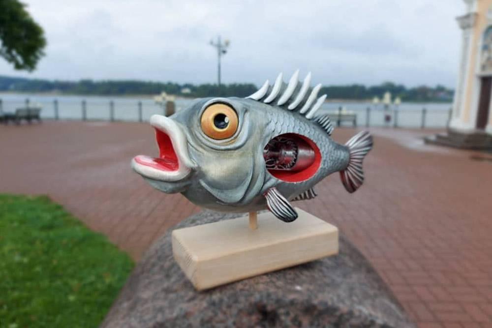 Это сувенир длязавода НПО «Сатурн». Придумали рыбину в стиле стимпанк с турбиной внутри