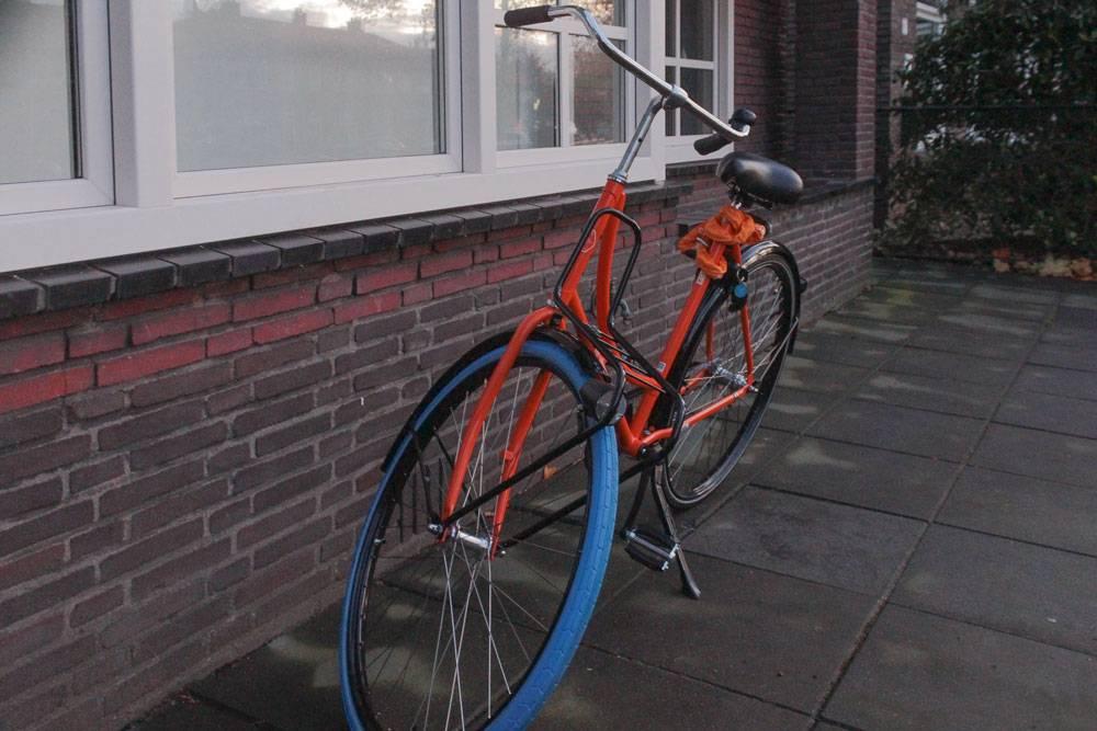 Мой ярко-оранжевый велосипед от «Свапфитс»