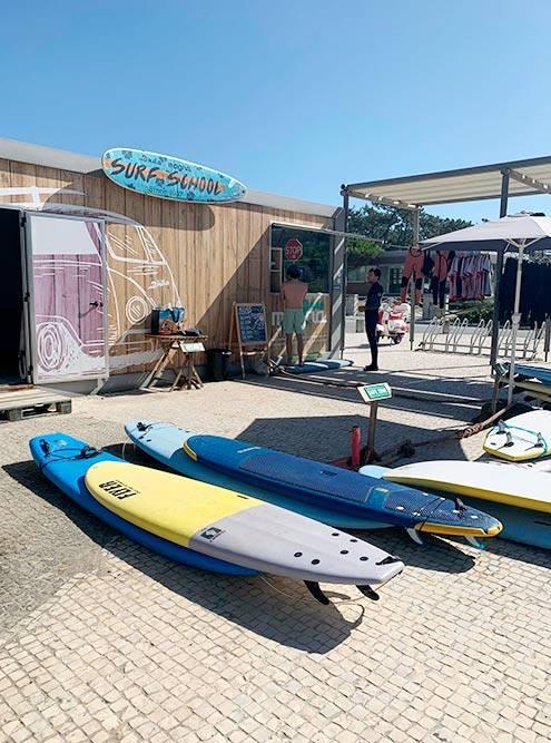 В Португалии множество серф-школ, их можно найти практически на каждом пляже