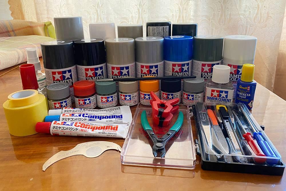 Наша небольшая коллекция красок и инструментов для&nbsp;занятия моделизмом, потратили на нее около 10 000<span class=ruble>Р</span>