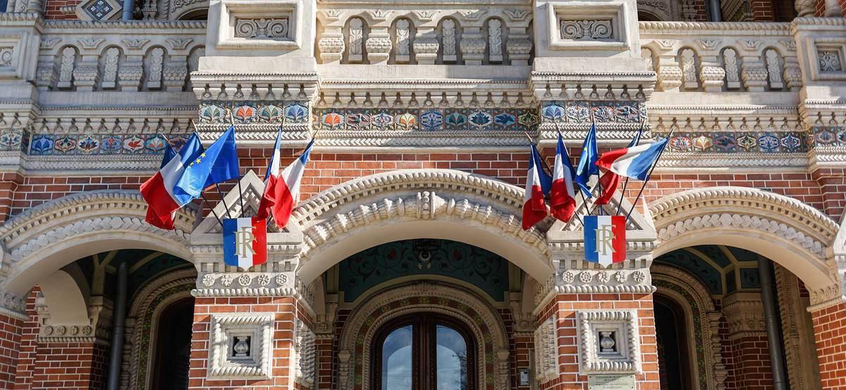 Франция начнет выдавать туристические визы россиянам, у которых уже был шенген