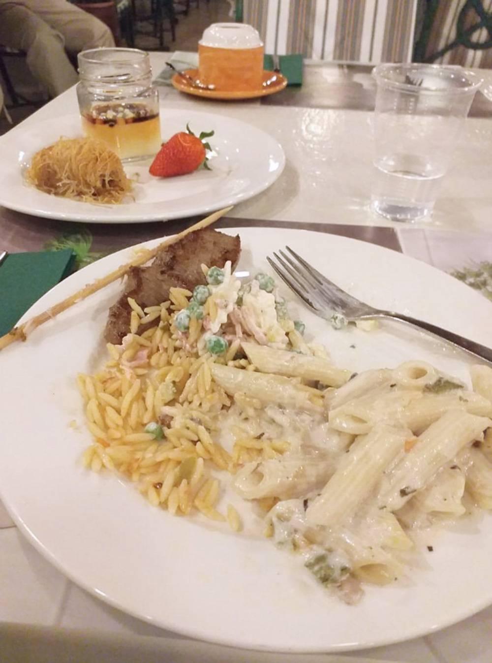 Ужин: рис, паста с мидиями, карамельный мусс, пахлава
