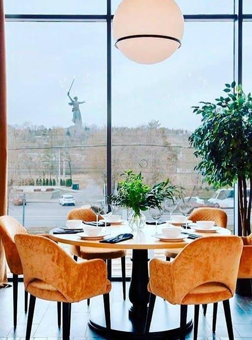 У ресторана «Победа» красивые залы с видом на Мамаев курган: Источник: @pobeda_restoran