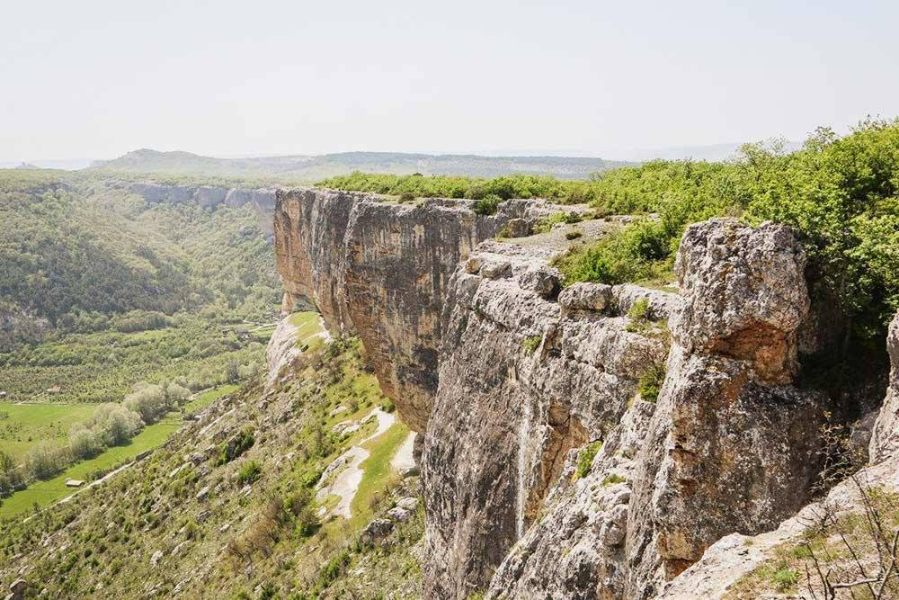 Вид с плато Мангуп-Кале