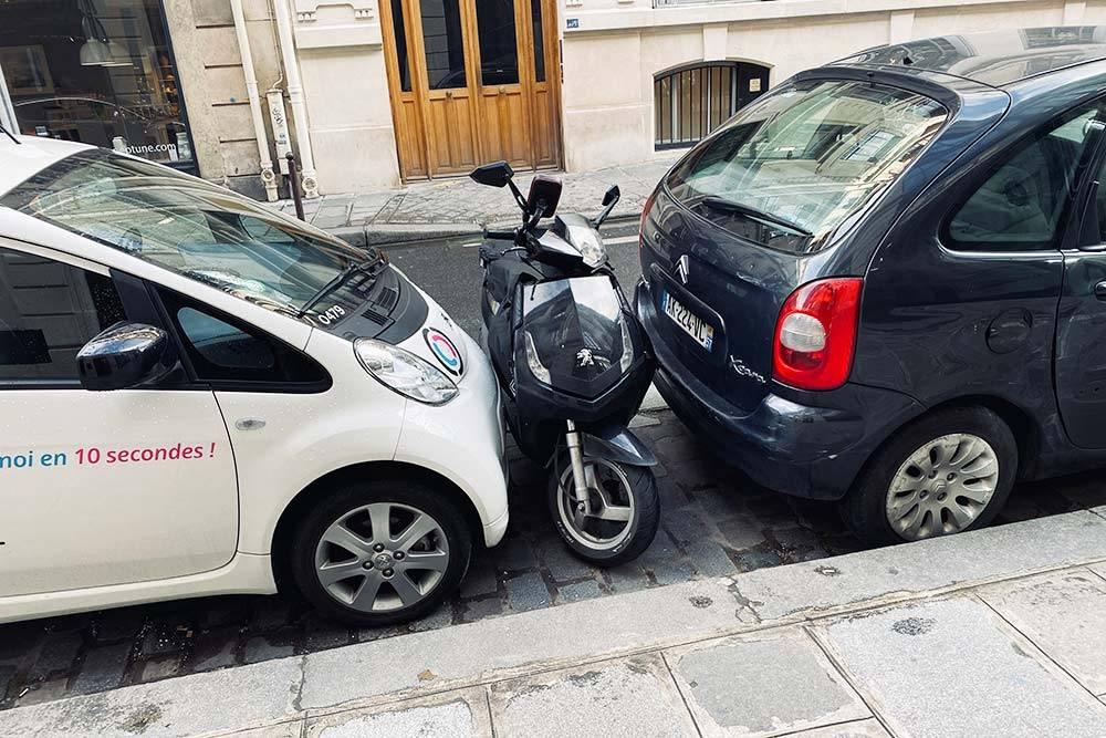 В Париже очень мало места для парковки
