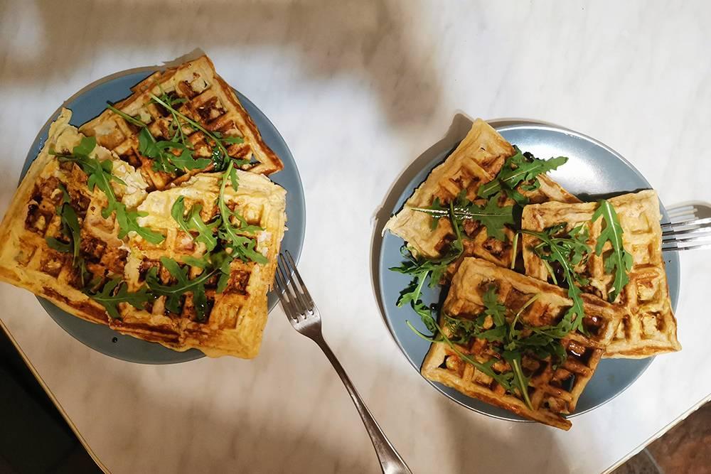 Ужин — вафли с кабачком и индейкой
