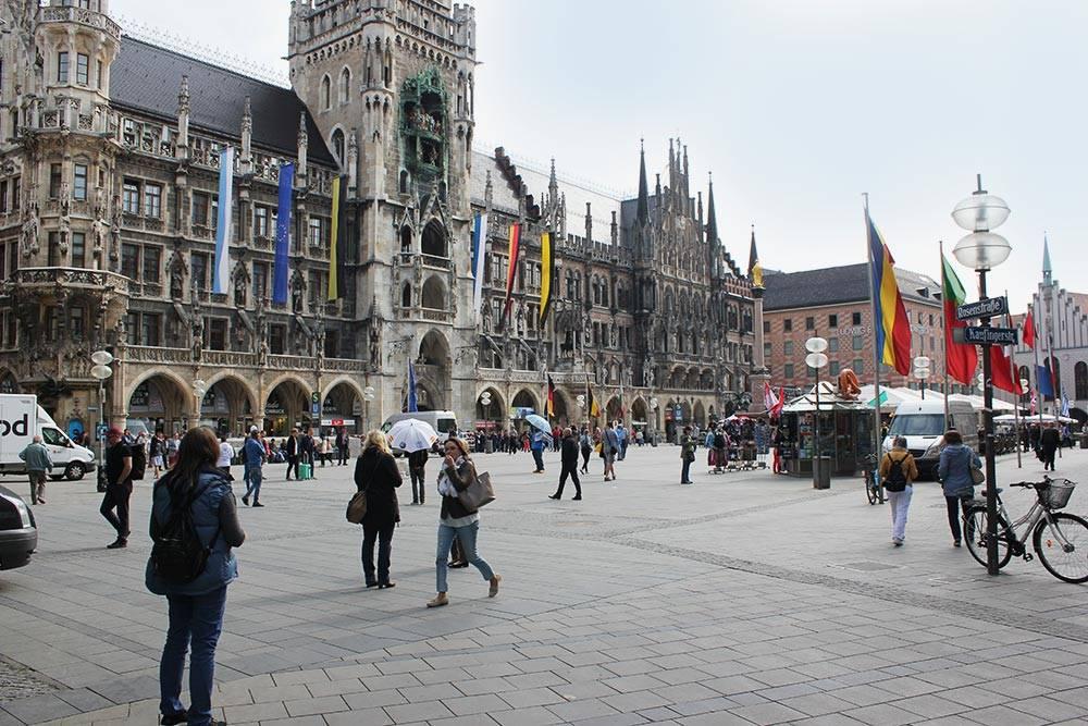 Мариенплац — главная площадь Мюнхена и одна из основных достопримечательностей центра города