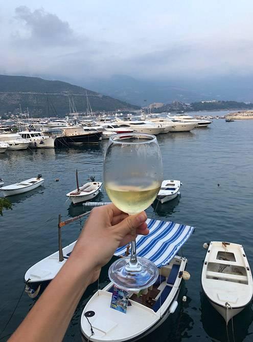 Вино на Балканах — обязательной атрибут любого приема пищи