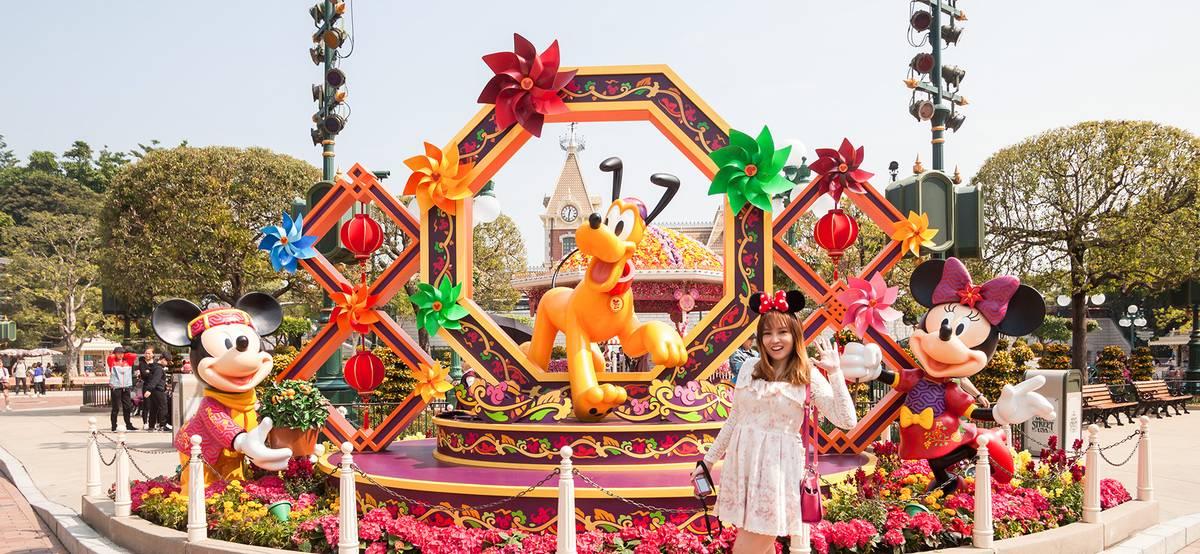 Disney открывает парки и выходит на прибыль