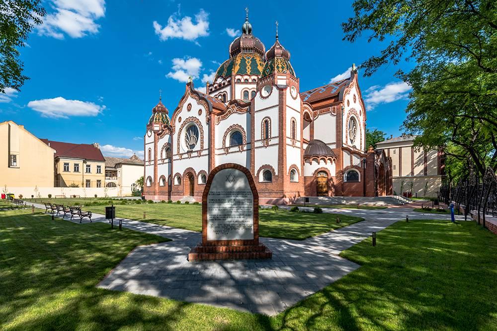 Интерьер синагоги отреставрировали в 2018году. Источник: leszczem / Shutterstock
