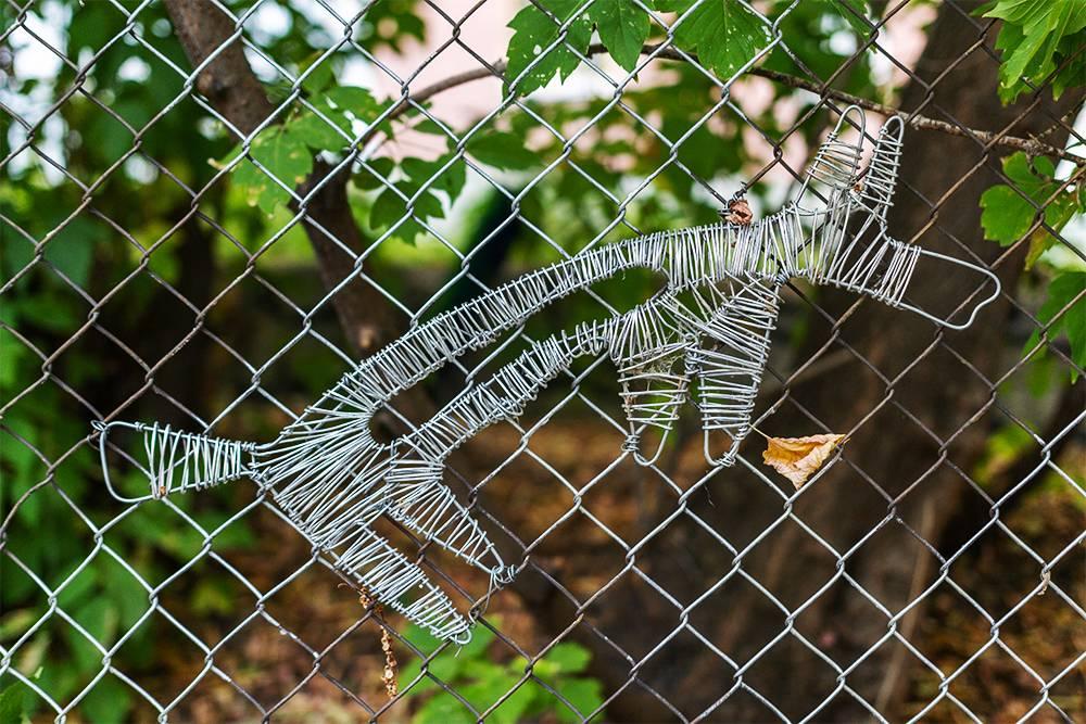 Фигуры на заборе, которые появились после «Ночи музеев — 2021»