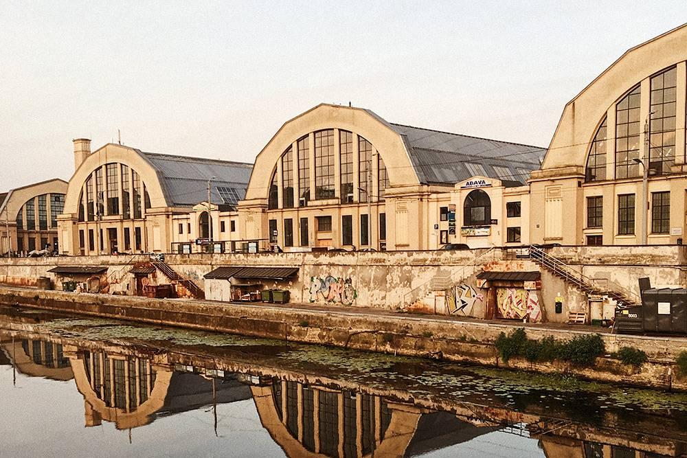 90 лет Рижский центральный рынок располагается в ангарах, которые изначально строили для дирижаблей