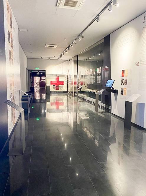Музей интерактивный, у многих экспонатов есть подробное описание