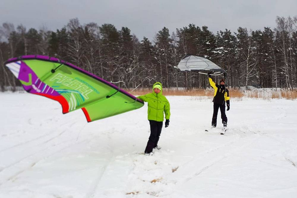 Зимой кайтеры катаются на лыжах. Источник: «Вконтакте»