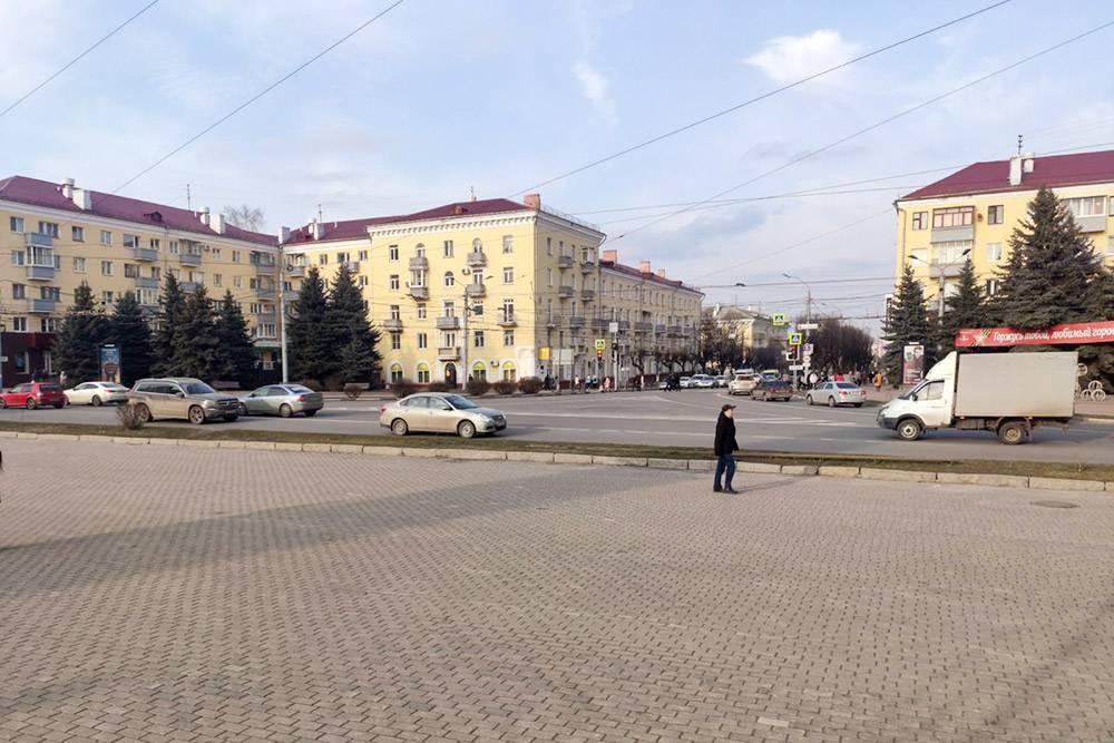 Центр Брянска: пересечение проспекта Ленина и улицы Красноармейской