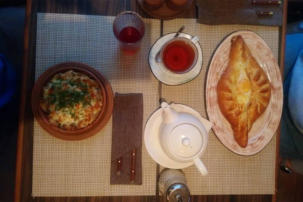 Завтрак в грузинском кафе