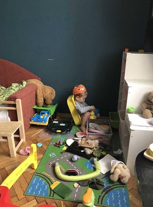 А так они выглядят сейчас: средний размер игрушки стал меньше, зато увеличилось их количество и радиус разлета деталей по комнате