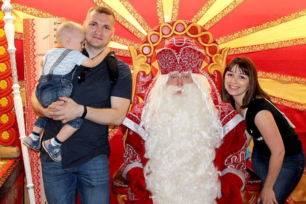 В «Доме Берендея» сделали фото с Дедом Морозом из Великого Устюга