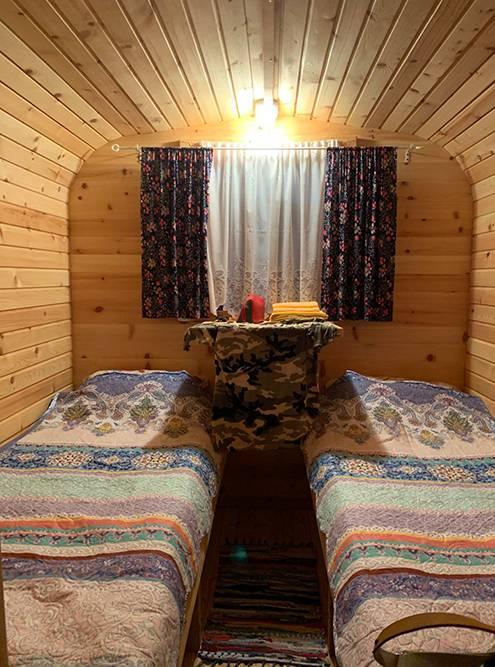 В Онгудае мы остановились в деревянном домике-купе, как я его назвала
