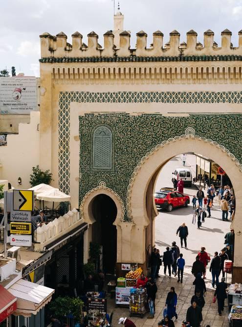 Голубые ворота — один из главных входов в медину