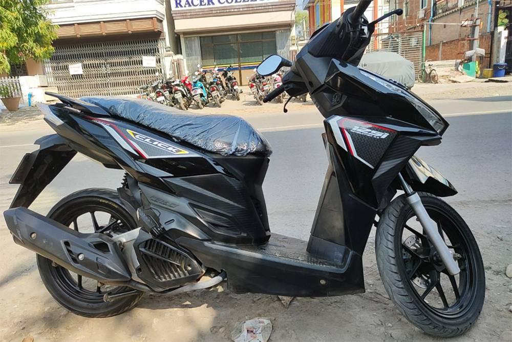 Арендованный в Мандалае скутер