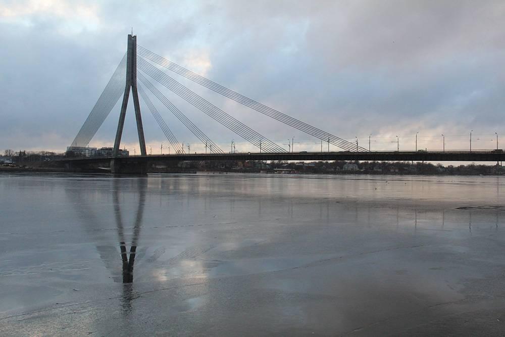 Ванты моста напоминают мне струны музыкального инструмента