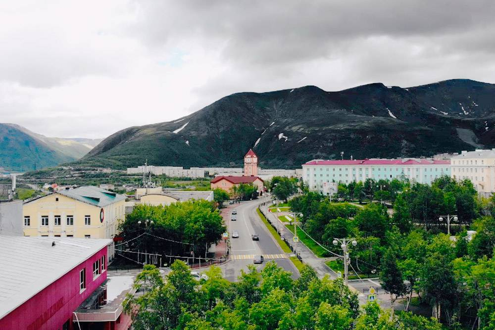 Кировск окружен горами. Зимой это смотрится особенно сказочно