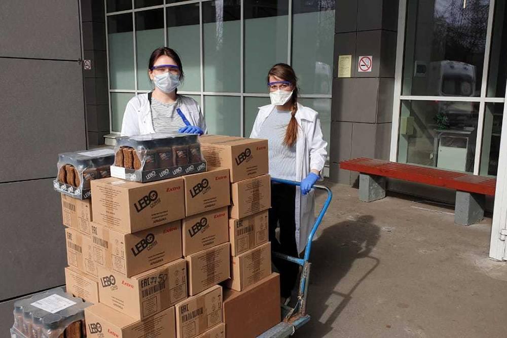 Фонд Dostyp ищет партнеров, которые помогут обеспечить врачей обедами, кофе и респираторами