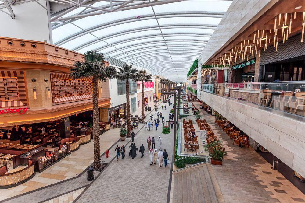 Торговый центр The Avenues. По выходным все кувейтцы идут в торговые центры