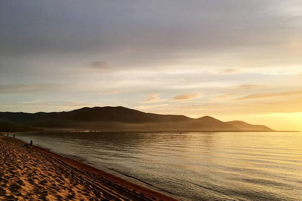 На Байкале песчаные пляжи и хорошо отдыхать с палаткой