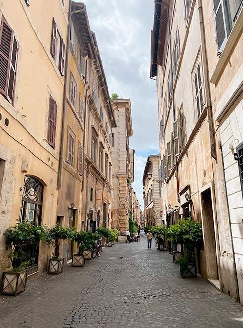 Улочка в историческом центре Рима
