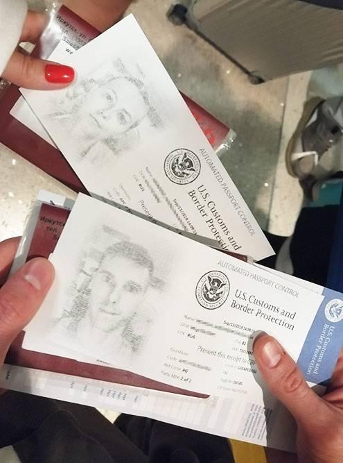 Паспортный контроль в аэропорту Лос-Анджелеса частично автоматизирован: надо подойти к специальному автомату, отсканировать паспорт, отпечатки пальцев и сделать фото. Автомат выдаст бумагу, с которой нужно получить печать в паспорт о прибытии в США у сотрудника паспортного контроля