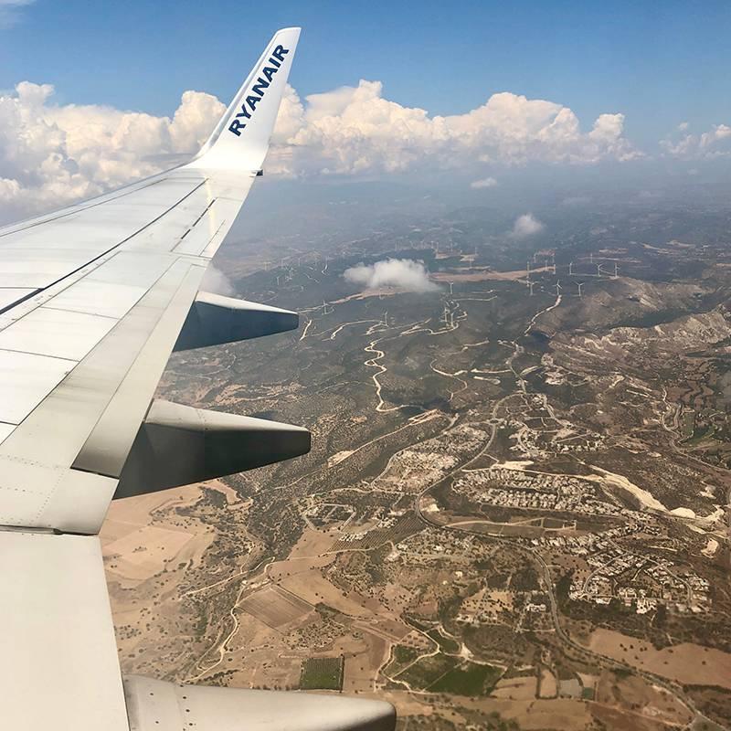 Два года назад в июне я летала в Краков. Летом на Кипре трава выгорает — остров становится желтым