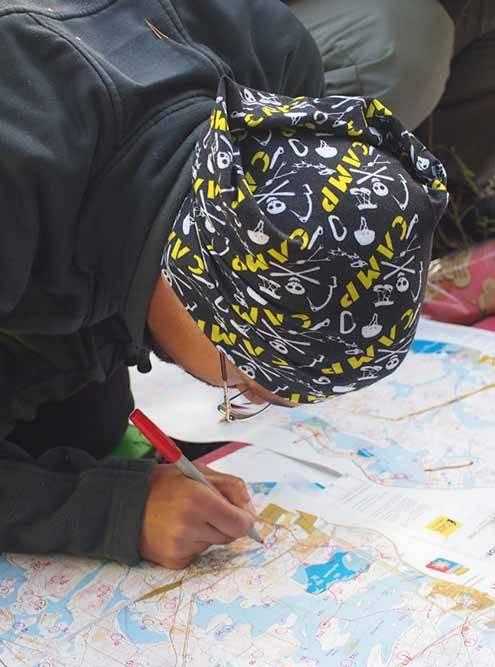 Так участники соревнований по рогейну продумывают маршруты и отмечают их на карте