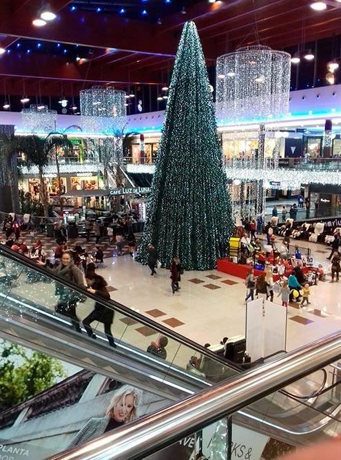 ТЦ La Cañada перед Рождеством