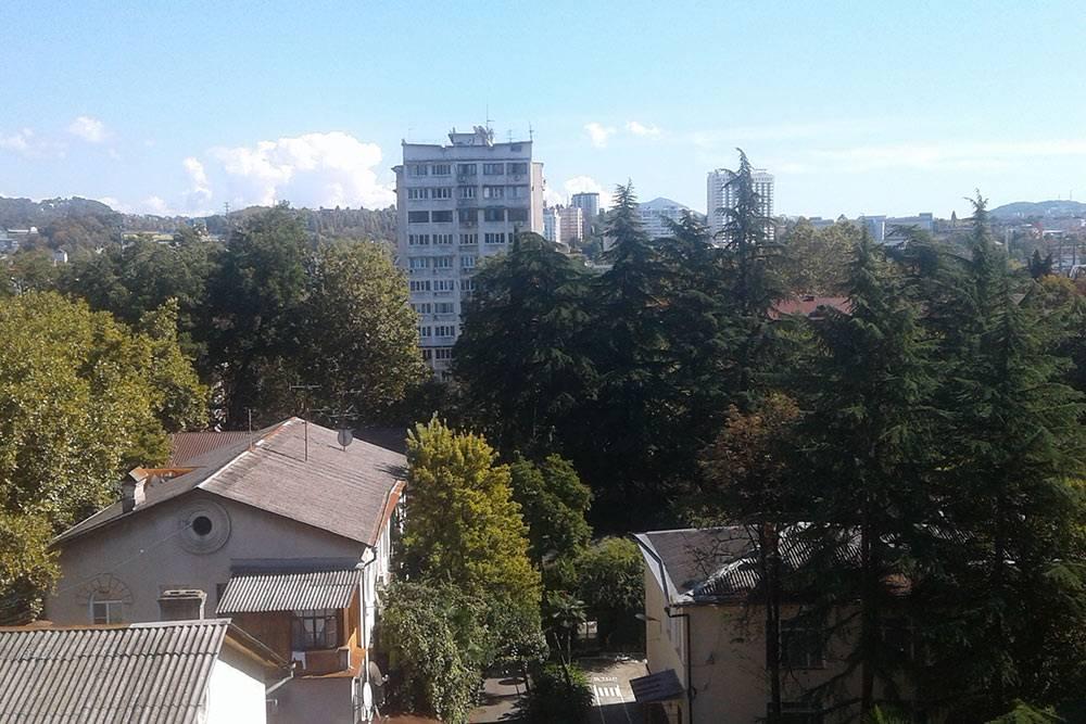 Вид из окна на пятом этаже