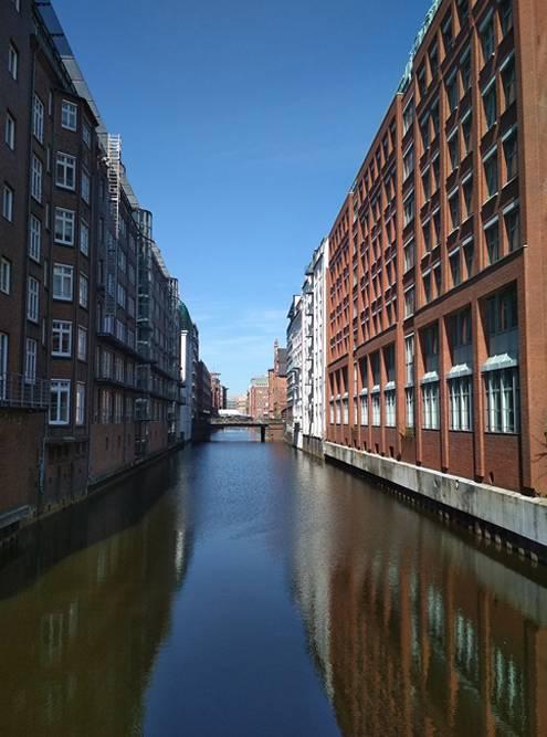 В Гамбурге разветвленная система каналов, как в Венеции, Амстердаме или в Петербурге